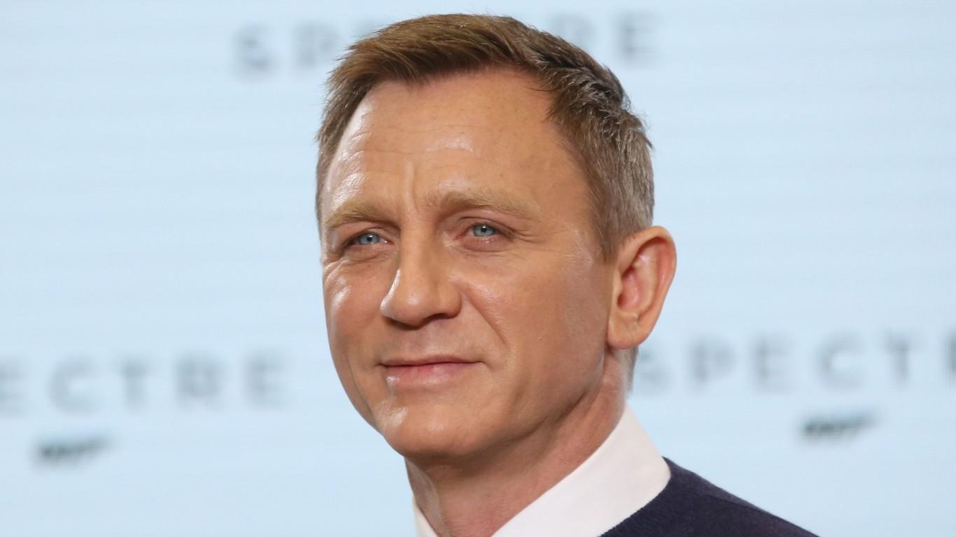 Daniel Craig quits as James Bond